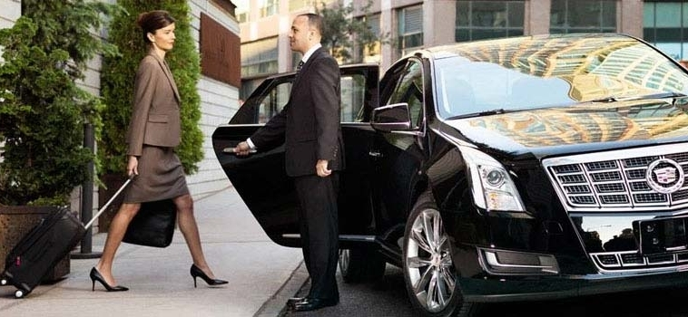 Business Limo Services to Impress Your Clients and Partners